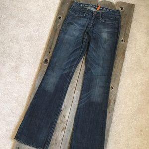 Earnest Sewn Keaton Slight Bootcut Jeans 33 Inseam